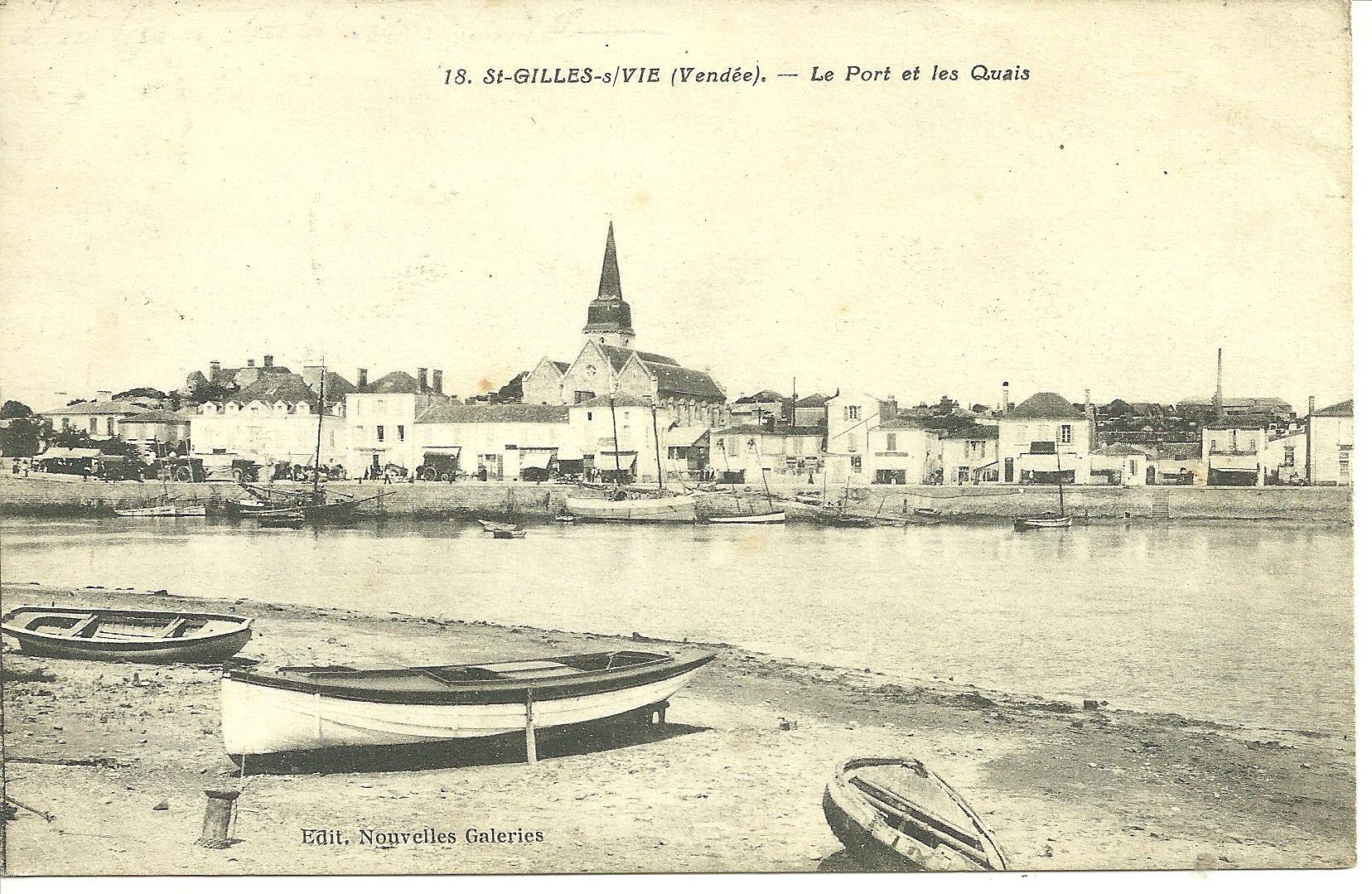Saint-Gilles-sur-Vie, vue sur le quai et le port.