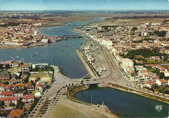 St-Gilles-Croix-de-Vie, le port et la rivière la Vie.