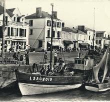 St-Gilles-sur-Vie, bateaux à quai.