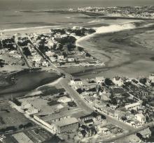 St-Gilles-sur-Vie, vue aérienne la Vie et la plage.