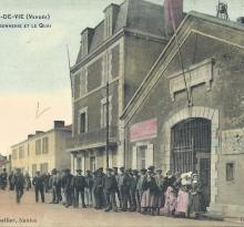 Croix-de-Vie, la poissonnerie et le quai.