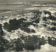 St-Gilles-sur-Vie, les pins et la plage.