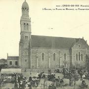 Croix-de-Vie, l'église, la place du marché.