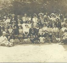 St-Gilles-sur-Vie, un groupe de vacanciers.