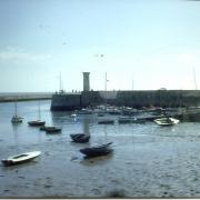 Croix-de-Vie, la sortie du port.