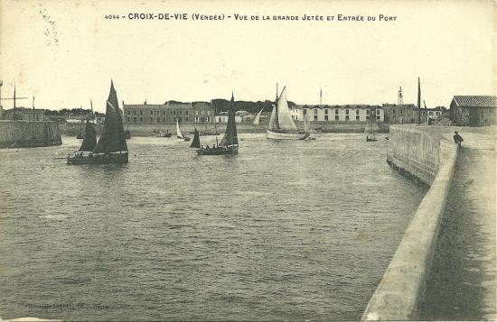 St-Gilles-Croix-de-Vie, vue de la grande jetée.
