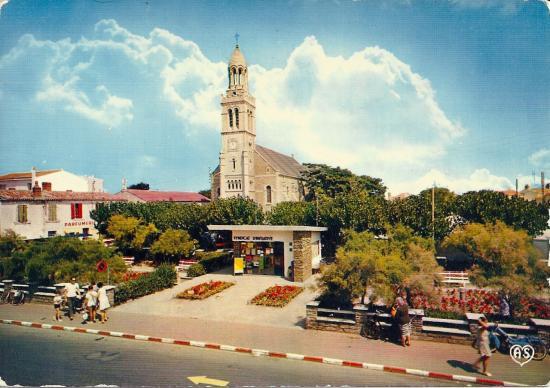 Croix-de-Vie, l'église et el jardin.