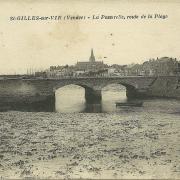St-Gilles-sur-Vie, la passerelle route de la plage.