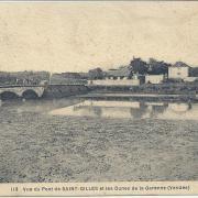 St-Gilles-sur-Vie, vue du pont et les dunes de la Garenne de Retz.