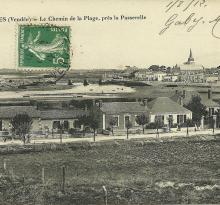 St-Gilles-sur-Vie, le chemin de la plage près de la passerelle.