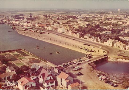 St-Gilles-sur-Vie, le port et les quais.