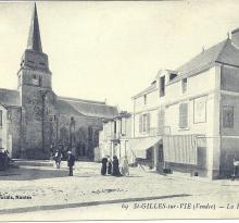 St-Gilles-sur-Vie, la place de l'église.