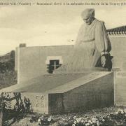 St-Gilles-sur-Vie, monument à la mémoire des morts.