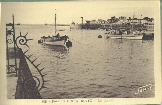 Le chenal du port de Croix-de-Vie.