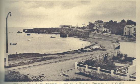Croix-de-Vie, l'anse de la Pelle à Porteau et le casino.