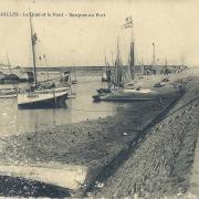 St-Gilles-sur-Vie, le quai et le pont. Barques au port.