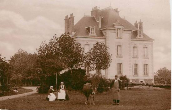 St-Hilaire-de-Loulay, château de la Barillère.