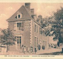St-Gilles-sur-Vie, colonie de vacances dans l'hôtel du château.