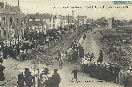 Croix-de-Vie, le quai un jour de la fête de Jeanne d'Arc.