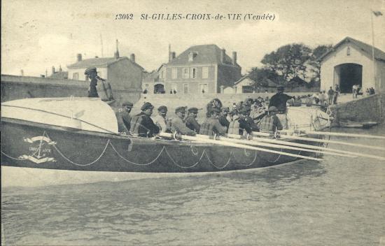St-Gilles-Croix-de-Vie, le canot de sauvetage.