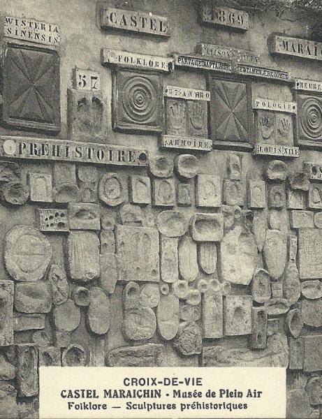 Le monument aux morts, l'histoire du singe.
