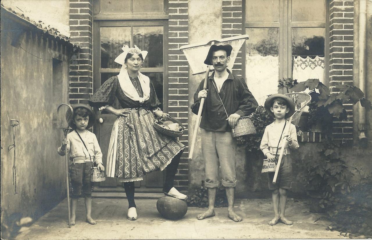 Croix-de-Vie, costumes vendéens.
