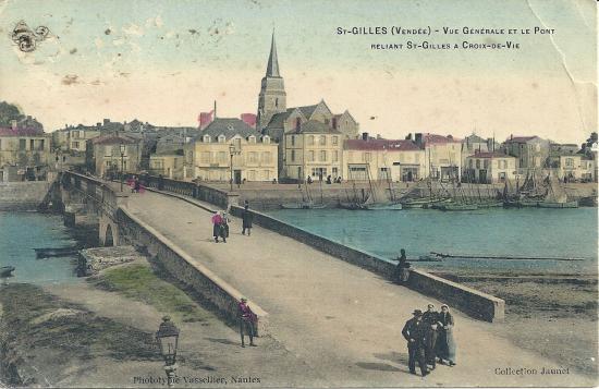 St-Gilles-sur-Vie, vue générale et le pont reliant.