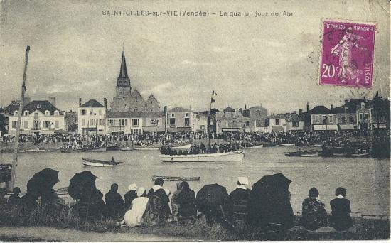 St-Gilles-sur-Vie, le quai un jour de fête.