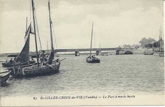 St-Gilles-Croix-de-Vie, le port à marée basse.