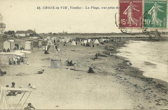 Croix-de-Vie, la plage vue des rochers.