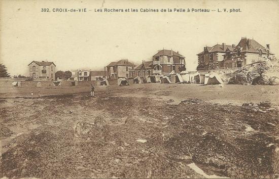 Croix-de-Vie, les rochers et les cabines de la Pelle à Porteau.