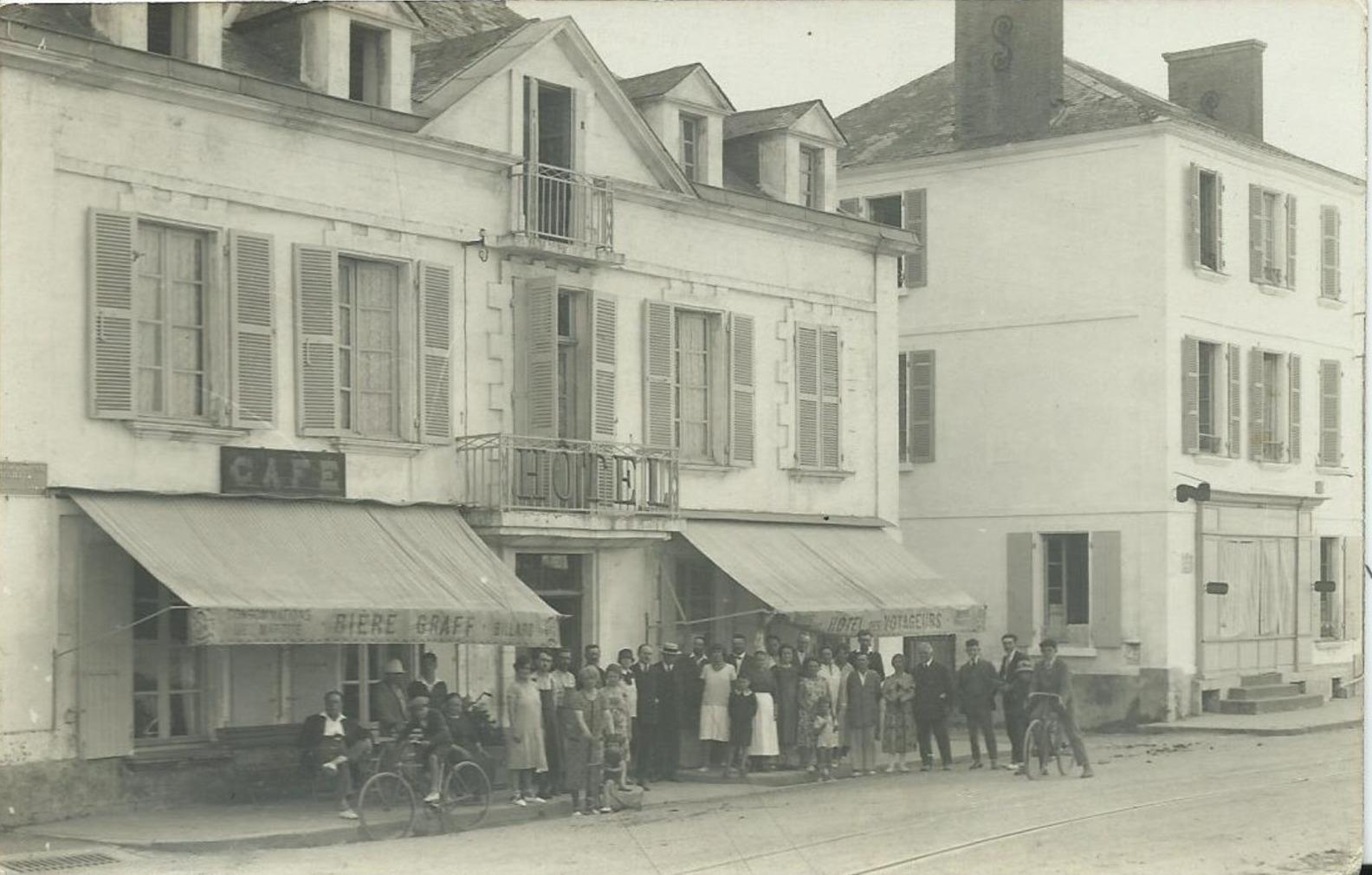 Saint-Gilles-sur-Vie, l'hôtel Les voyageurs et son personnel