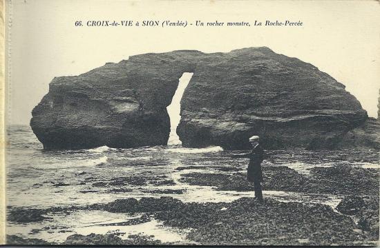 De Croix-de-Vie à Sion, la roche percée.