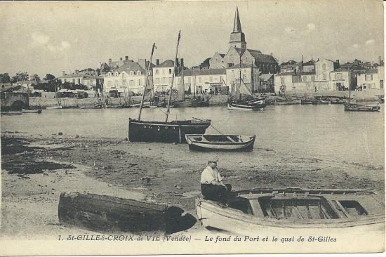 St-Gilles-Croix-de-Vie, le fond du port et le quai de St-Gilles.