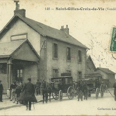 Les gares de Saint-Gilles et Croix-de-Vie