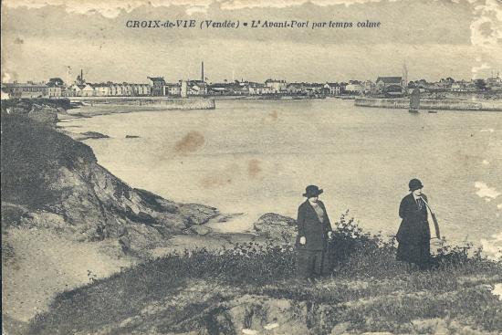 Croix-de-Vie, l'avant-port par temps calme.