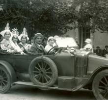 Election des Miss, à droite représentante St-Gilles-Croix-de-Vie.