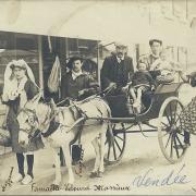 St-Gilles-Croix-de-Vie, famille Massieux en costume local.