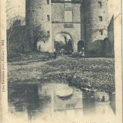 Cezais, entrée du château de la Cresonnière.