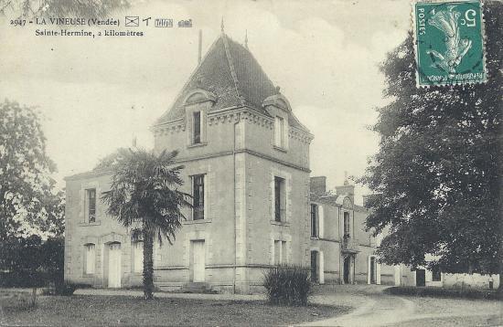 Ste-Hermine, le château de la Vineuse.