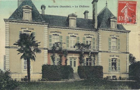 Nalliers, le château.