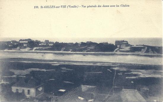 St-Gilles-sur-Vie, vue générale des dunes avec les chalets.