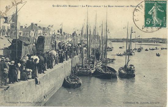 St-Gilles-sur-Vie, la fête locale, le quai pendant les régates.