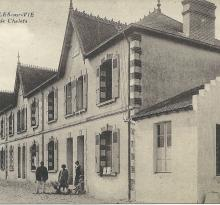 St-Gilles-sur-Vie, villas Les Pins et Les Peupliers.