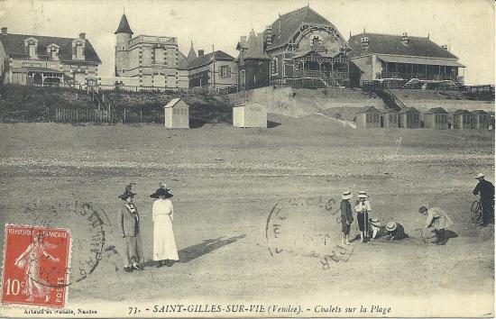 St-Gilles-sur-Vie, chalets sur la plage.