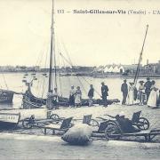 St-Gilles-sur-Vie, l'attente des bateaux.