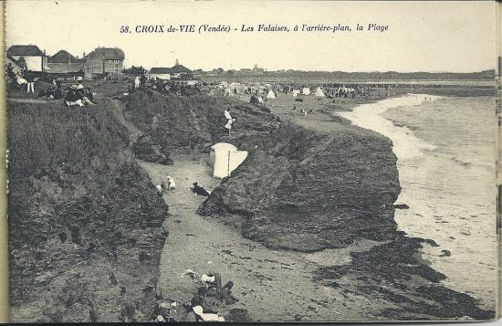 Croix-de-Vie, les falaises et la plage.