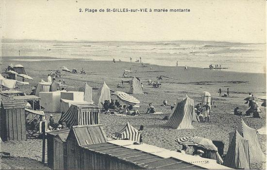 Plage de St-Gilles-sur-Vie à marée montante.