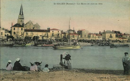 Saint-Gilles-sur-Vie, les quais, un jour de fête.