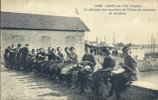 Croix-de-Vie, le déjeuner des ouvrières de l'usine.